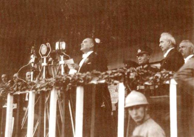 29 Ekim Cumhuriyet Bayramı'nın Anlamı ve Önemi. 29 Ekim Neden Kutlanır